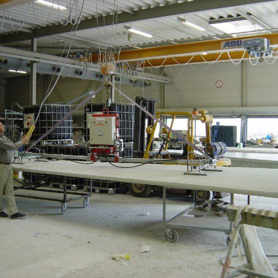 Aerolift vacuumheffer type Lift Boy in kunstoffenindustrie
