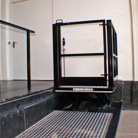 Rolstoellift Stedelijk Museum TCL1000B
